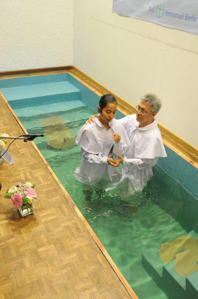 Pembaptisan Sdri. Nathania Dwianggitaningsih Bastam, atau yang sering disebut dengan Anggi