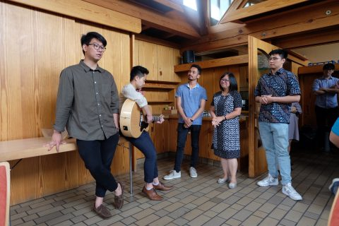 Persembahan Pujian dari HK Tiergarten